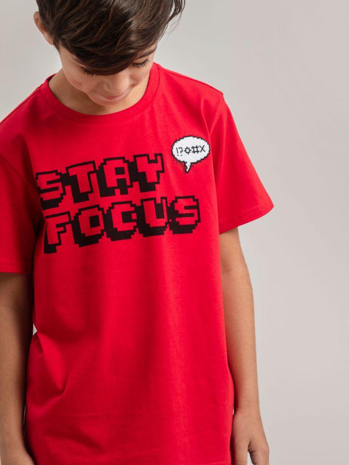 חולצה קצרה STAY FOCUS