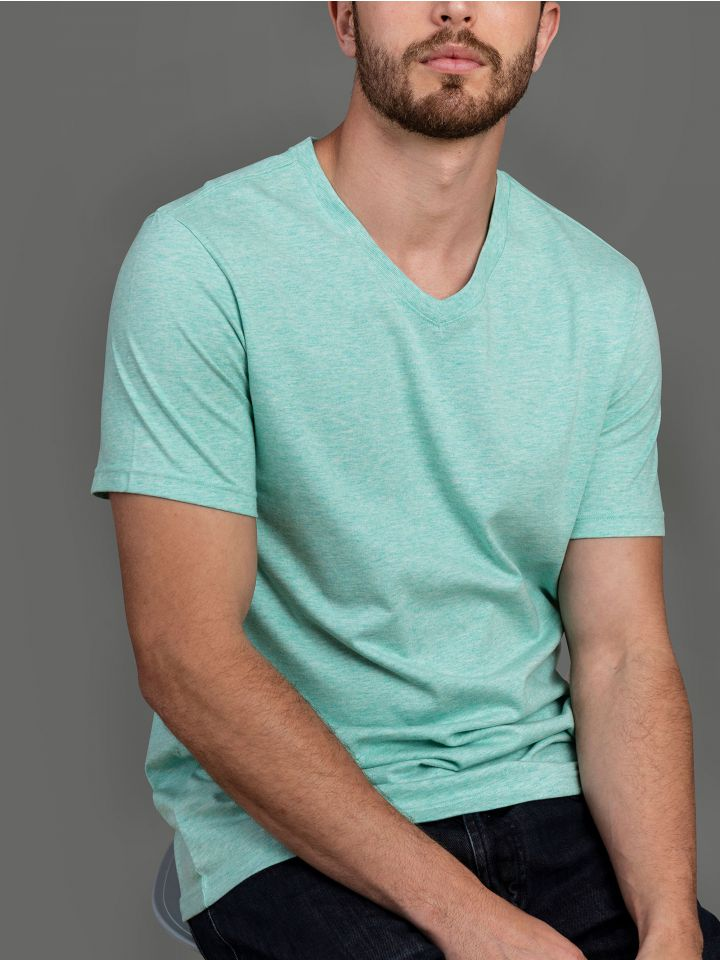 חולצת טי קצרה V NECK