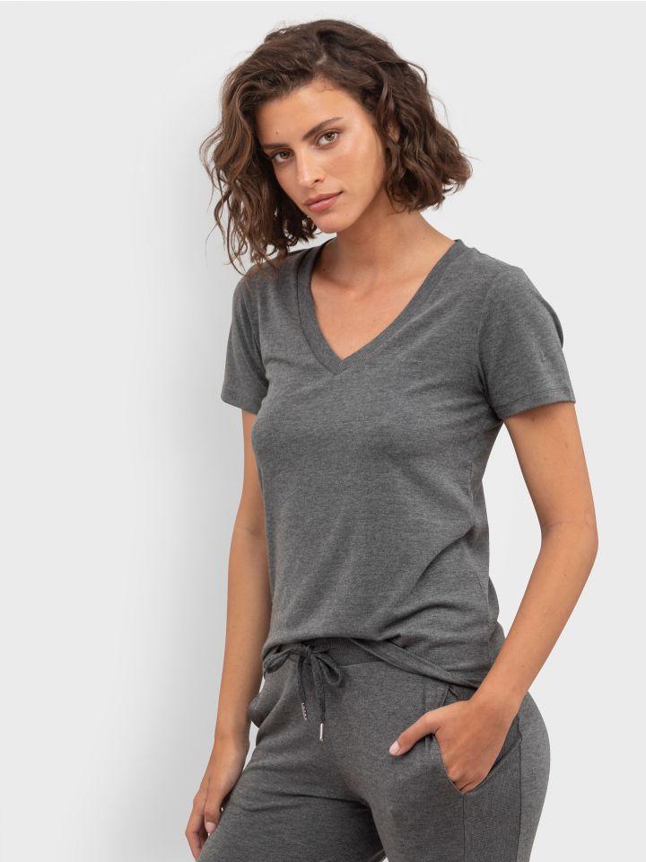 חולצת טי קצרה ונעימה SO SOFT